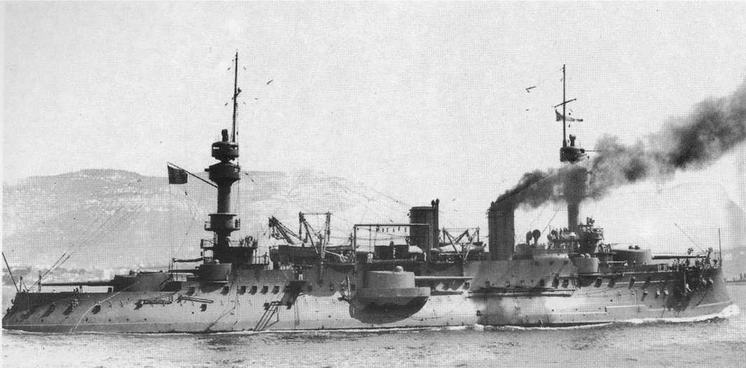 """Жорегибери"""" выходит из Тулона. Фото сделано после 1908 г."""