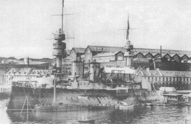 """""""Жорегибери"""" 11 июля 1905 г. в Бресте, на следующий день после ухода английской эскадры."""