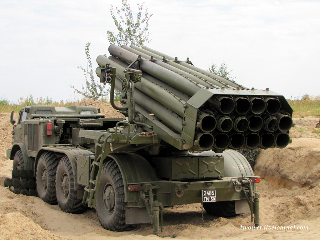 Боевая машина 9П140 ракетного комплекса 9К57