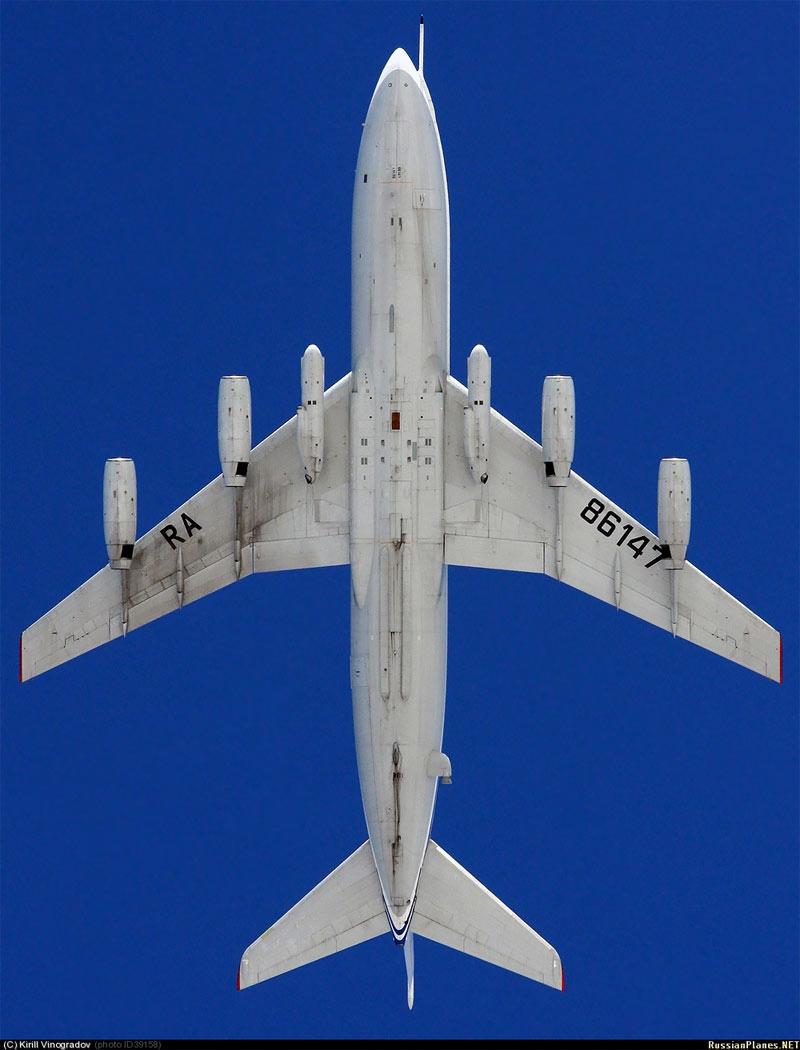 Ил-86ВКП регистрационный №RA-86147 в полете, авиабаза Чкаловский, 2011 г. (фото - Кирилл Виноградов, http://russianplanes.net/id39158).