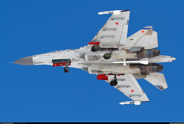 Ракета Р-27ЭР под Су-30МКК, Раменское, февраль 2013 г. (фото - Анатолий Бурцев, http://russianplanes.net/id118223)